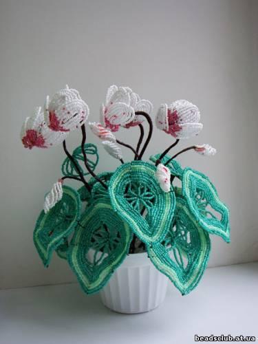 Плетение - французское, на Мк есть технология изготовления цветка.